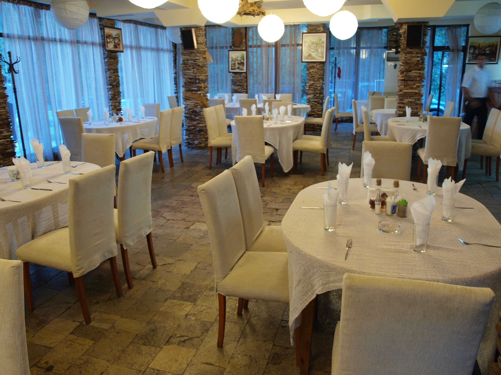 Ресторант Петрелийски, с. Огняново - традиционна, здравословна и веган кухня